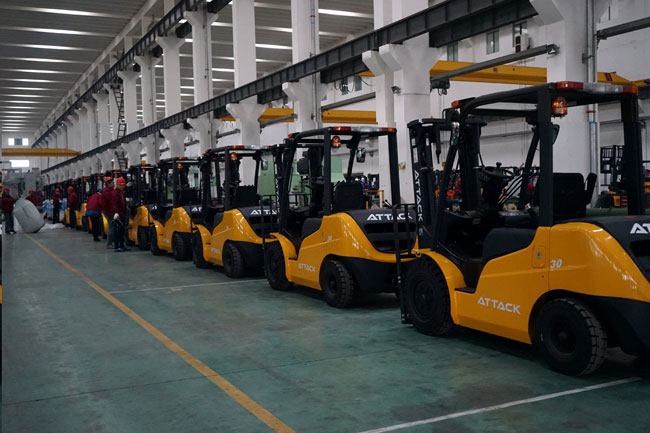 30 Units Forklifts to Thailand Ready for Shipment 1