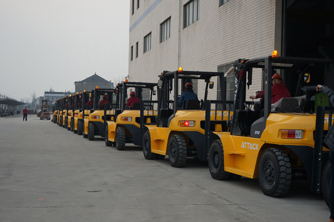 30 Units Forklifts to Thailand Ready for Shipment 2